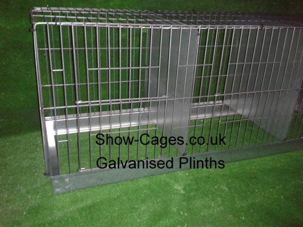 Designed to place the show cage on to prevent shavings being strewn on your penning shed floor. Show-Cages.co.uk can make these plinths to fit our show cages, slide out droppings drawers are another option, just ask
